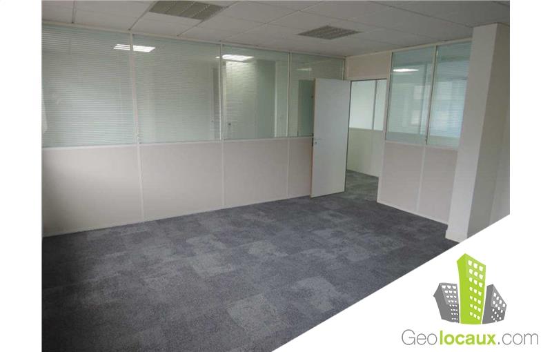 location bureau issy les moulineaux 92130 350 m geolocaux. Black Bedroom Furniture Sets. Home Design Ideas