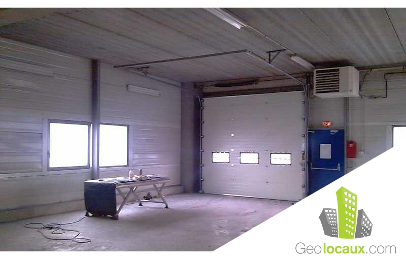 Location entrep t stains 93240 300 m geolocaux for Garage stains 93240