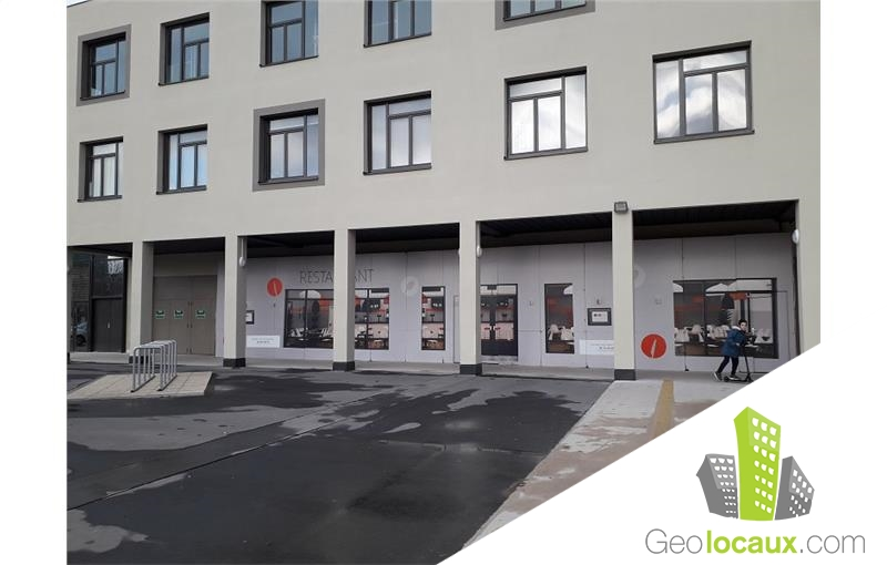 Location local commercial montlu on 03100 287 m for Location garage montlucon