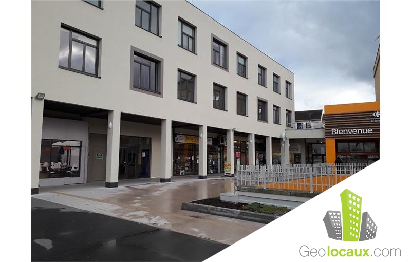 Location local commercial montlu on 03100 96 m for Location garage montlucon